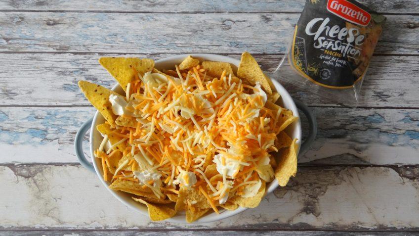 Nachos met kaas en blackened zalm