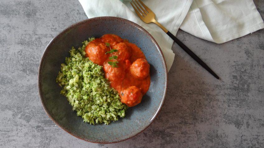 Piri piri gehaktballetjes met broccolirijst