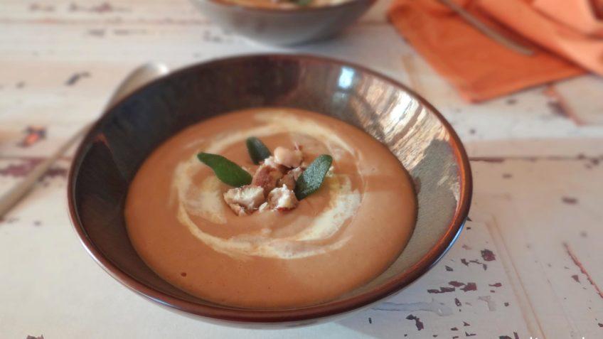 Romige pastinaak en kastanje soep