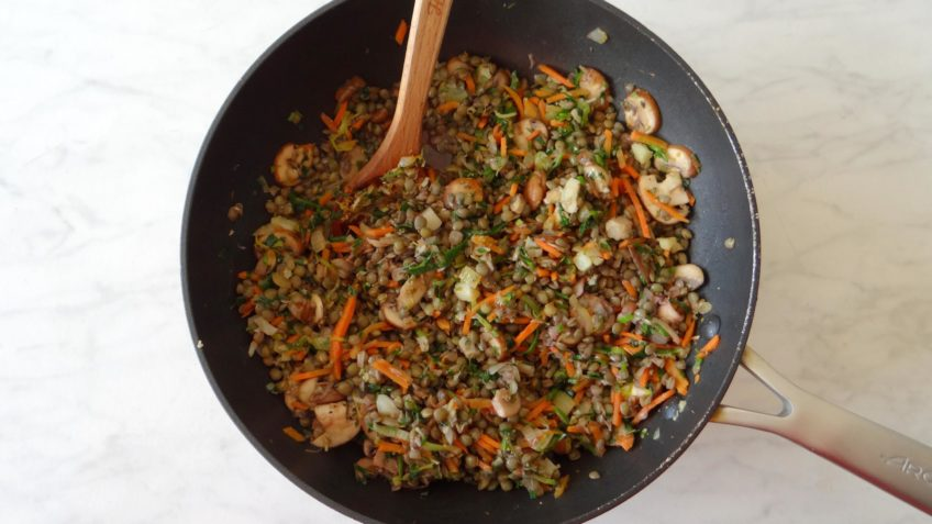 Linzen en paddenstoelen Bolognese saus