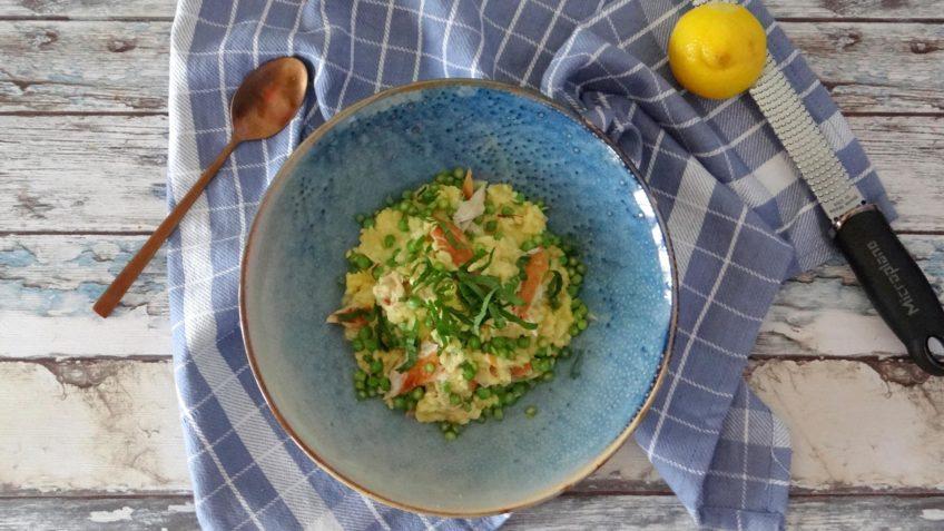 Saffraan paella met erwten en makreel