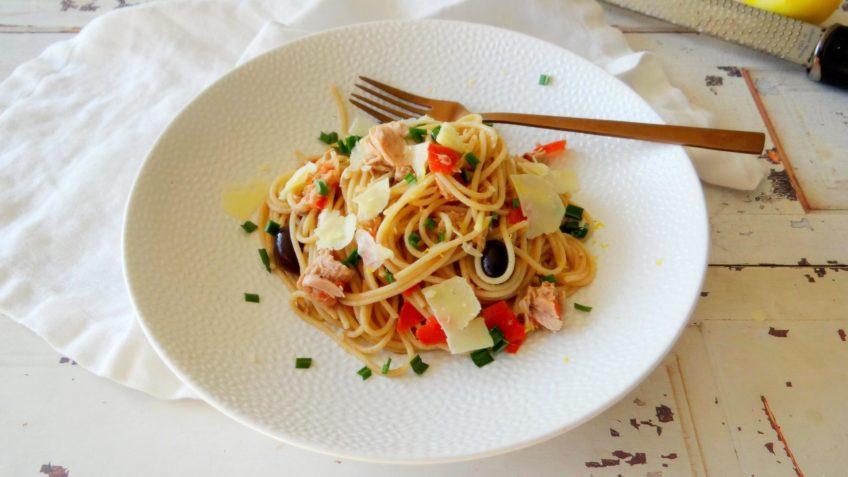 Simpele spaghetti met tonijn