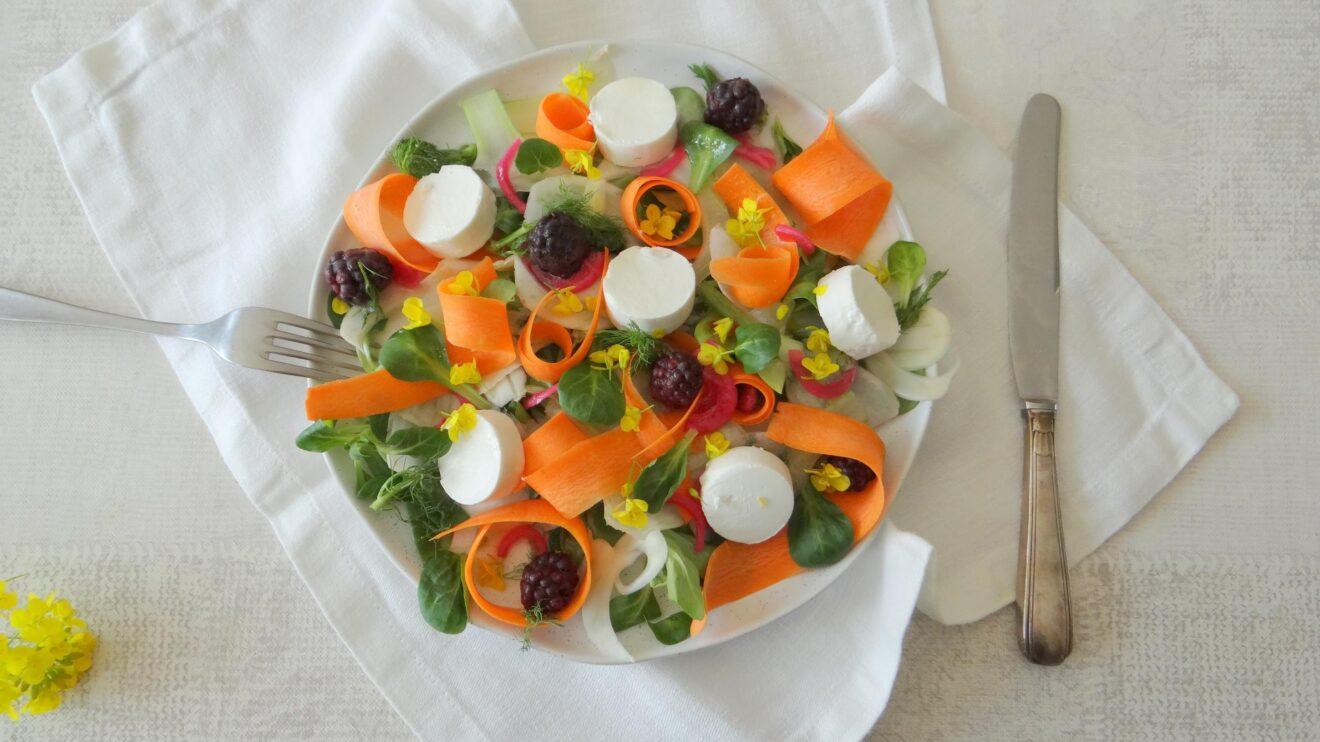 Deze is heerlijk als lunch, voorgerecht of zelfs als avondmaaltijd op een warme dag.