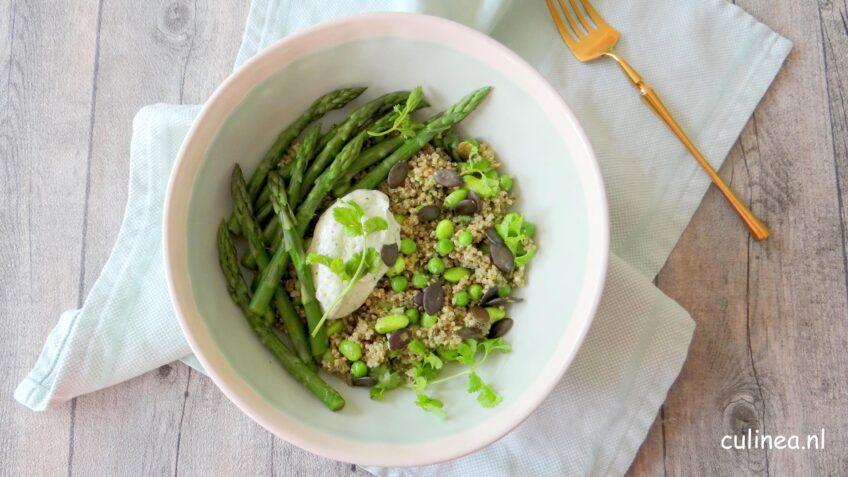 Groene quinoa voorjaars bowl