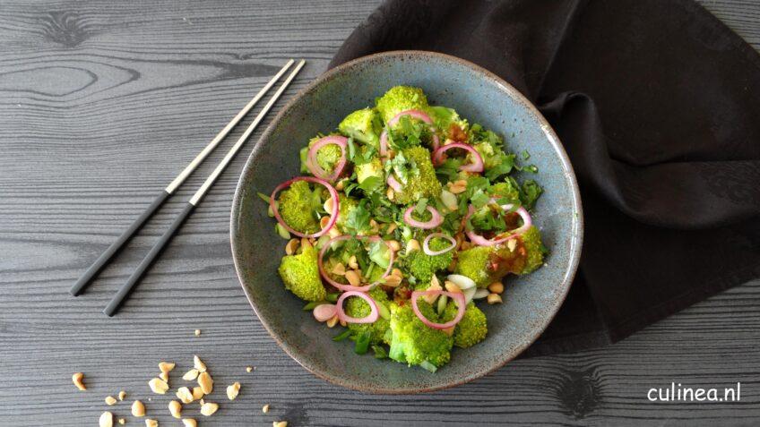 Aziatische broccoli salade