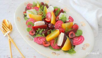 Gekleurde bietjes salade met geitenkaas