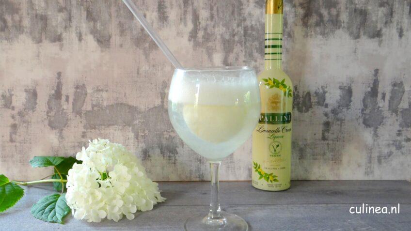 Limoncello cream cocktail met citroenijs