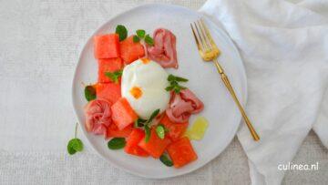 Watermeloen en burrata salade