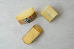 Hoe stel je een goede kaasplank samen?