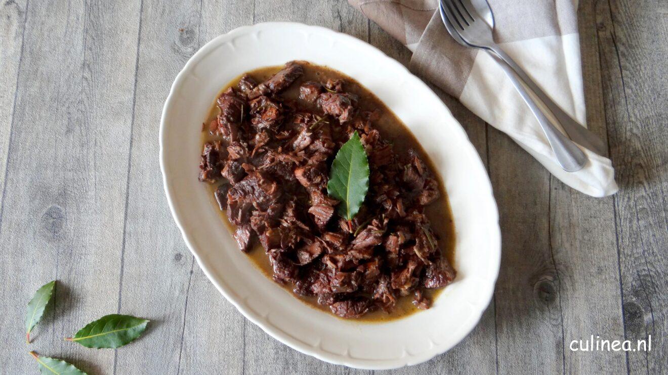 Italiaans stoofpot Peposo