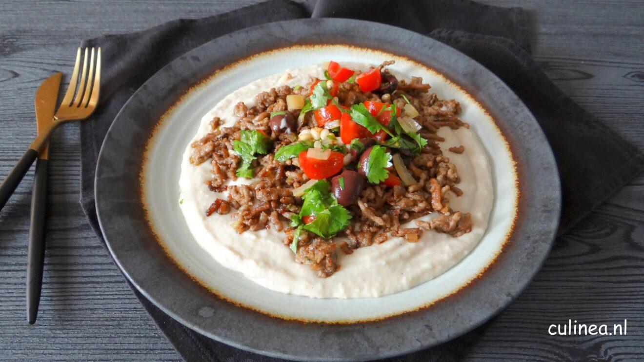 Kebab gehakt met witte bonenpuree