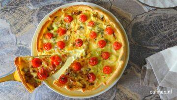 Preitaart met tomaatjes en blauwe kaas