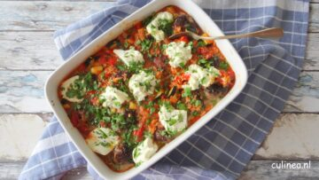 Gehaktballetjes met orzo en ricotta in tomatensaus