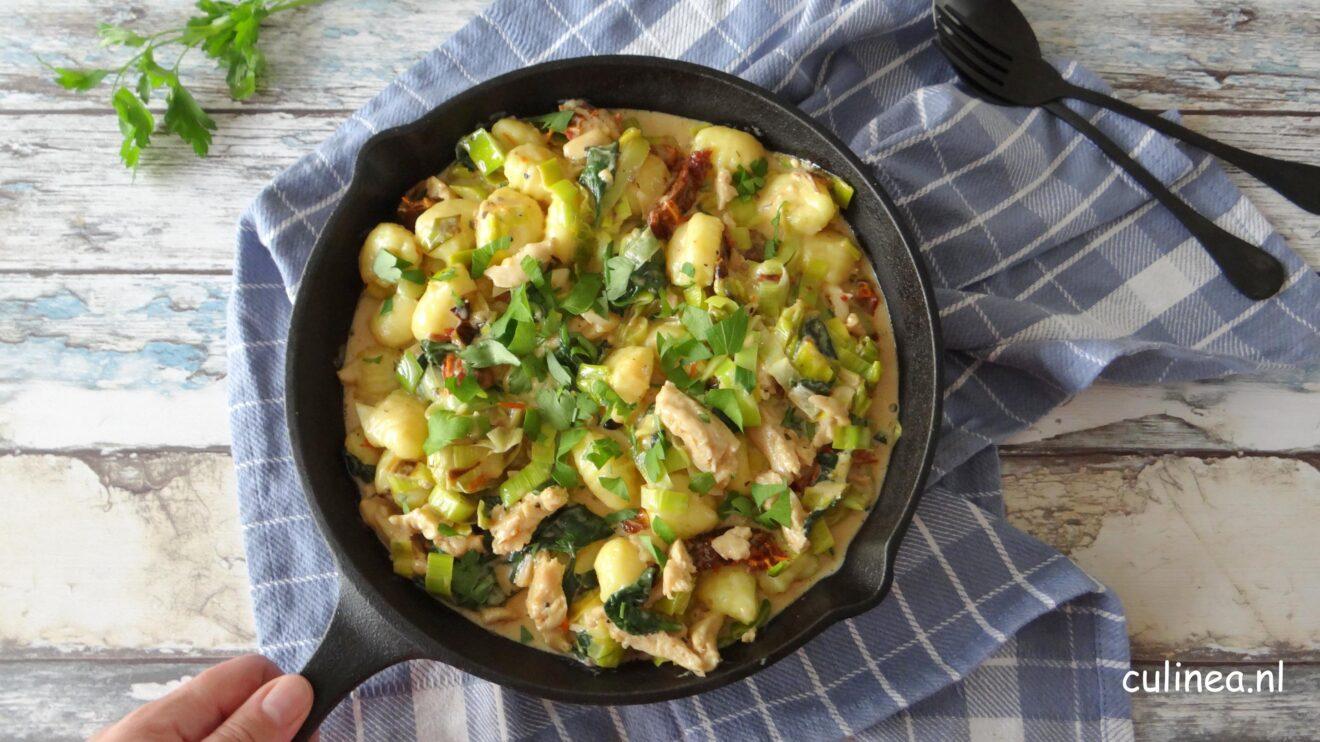 Gnocchi met prei en vegetarische kip