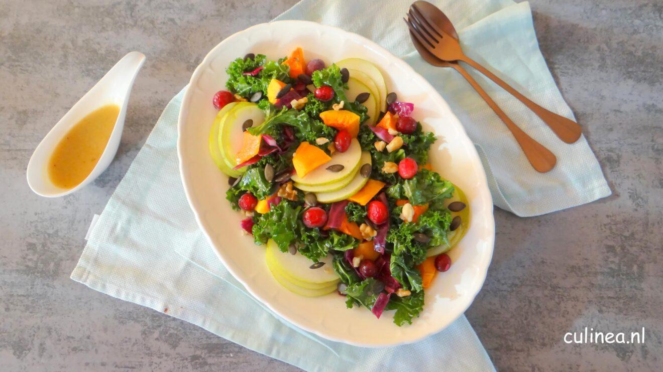 Salade met boerenkool en pompoen
