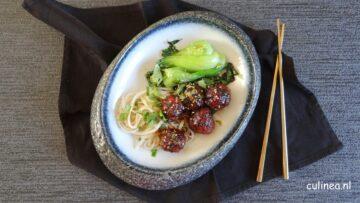 Aziatische vegetarische gehaktballetjes