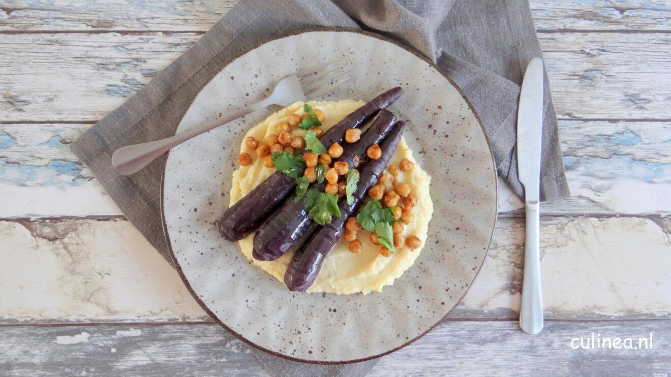 Pastinaakpuree met paarse wortelen