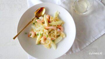 Pasta met asperges, garnalen en citroenroomsaus