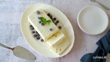Ricotta ijs met honingraat
