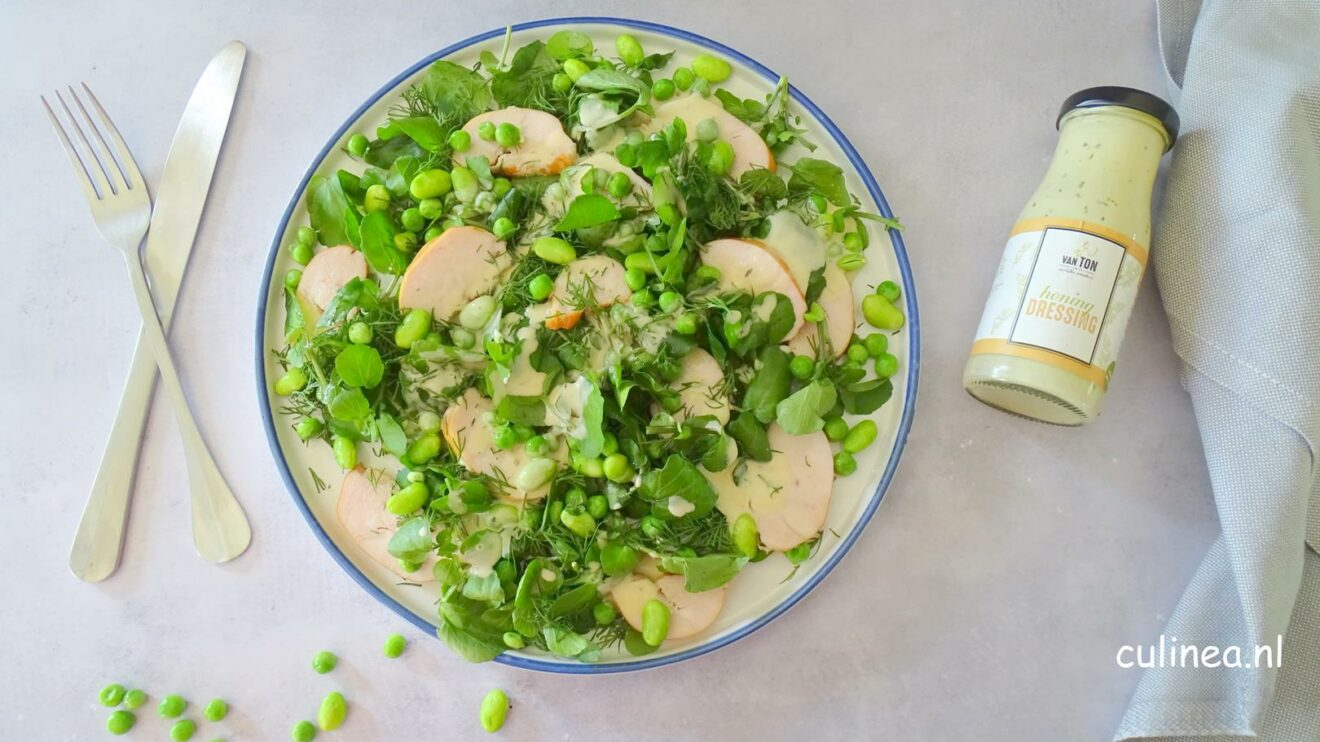 Waterkers salade met gerookte kip en honingdressing